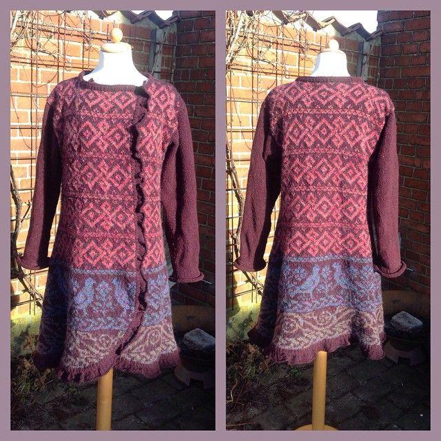 Jeg laver andet end at sy og er netop blevet færdig med denne lækre jakke i Rowan Tweed og Colorspun. Jeg har kombineret et jakkemønster fra Sidsel Høivik med et motiv mønster fra Rowan magazin 56. På bloggen kan I se hvilke #JegLaverAndetEndAtSy #nyjakke #rowan #sidselhøivik #rowantweed #rowancolorspun #rowanRoan