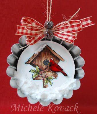 ornament de Nadal dins d'un motllo de pastís