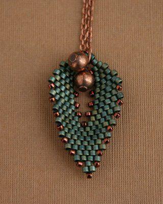 beademecum: medál/pendant – handcrafted beaded jewelry – gyöngy ékszer