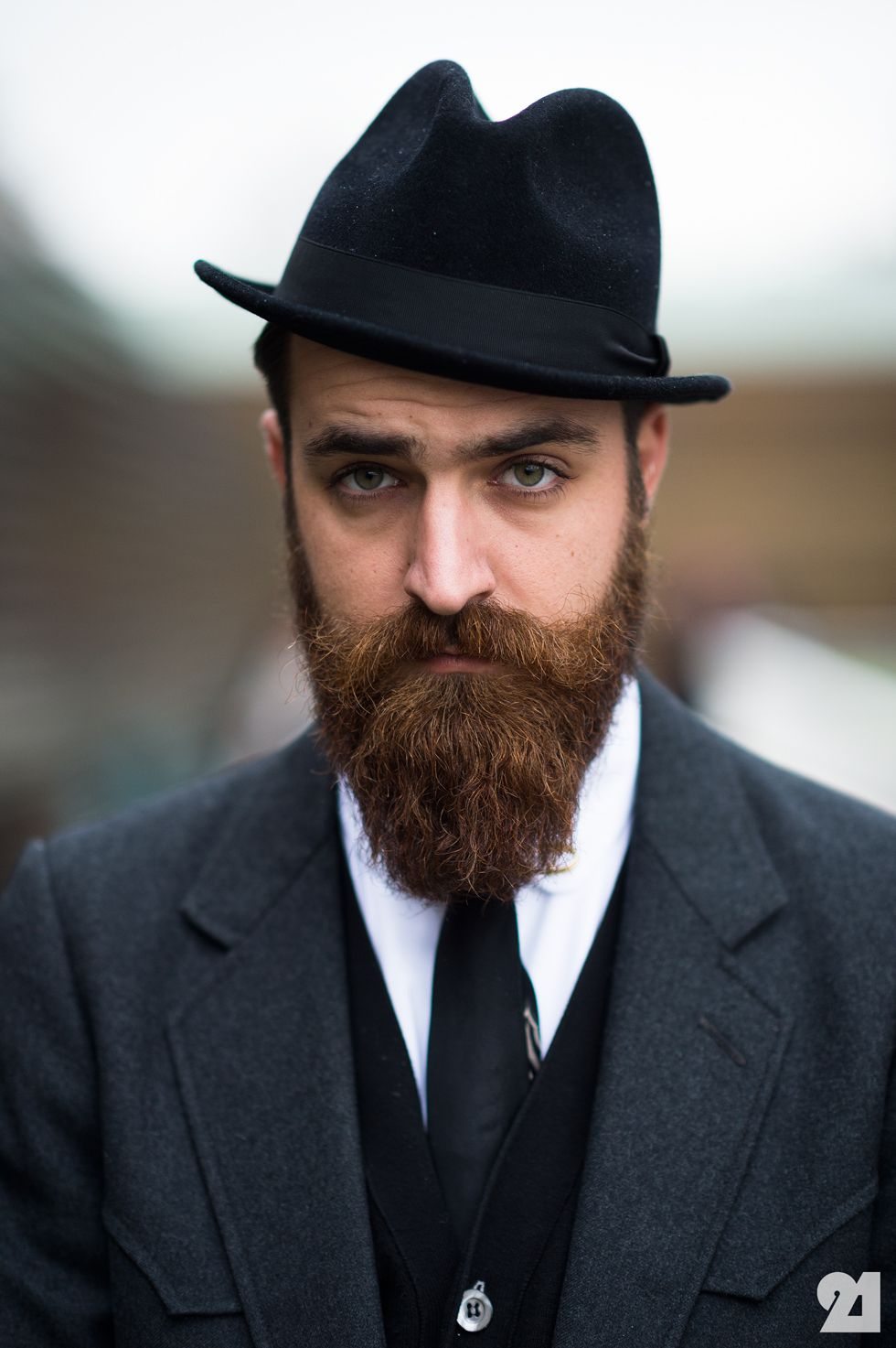 ba09cde15f9 Like the suit and tie look with this beard. Art Comes First  Inspirations   Photo Great Beards