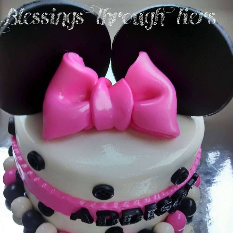 Minnie Mouse cake Ears Bow Buttons Pink Black White Birthday