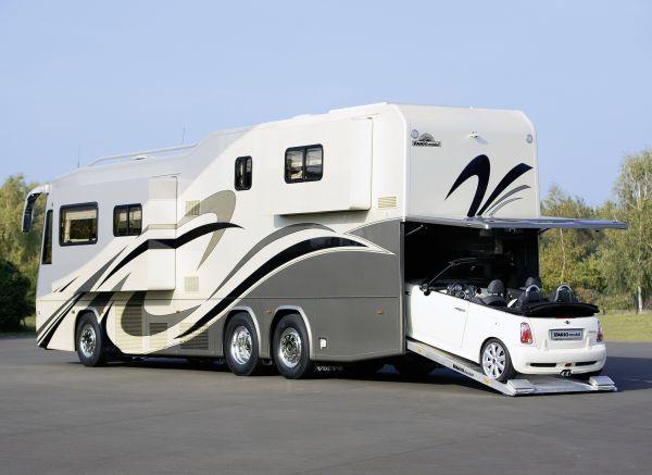 Luxury Living On Wheels 6 Stunning Rvs That Will Make You Drool Luxury Motorhomes Luxury Rv Recreational Vehicles