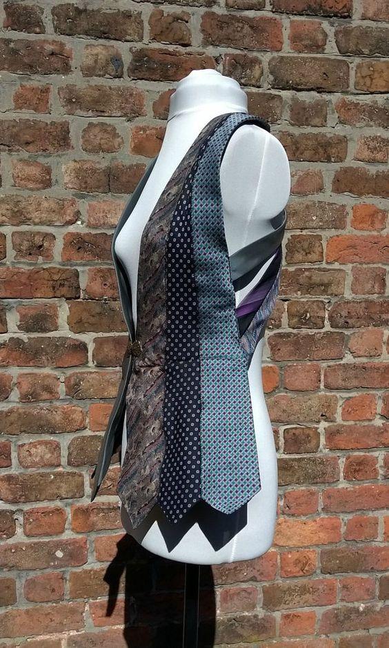 Festival gilet van blauw en paars upcycled stropdassen door beWe