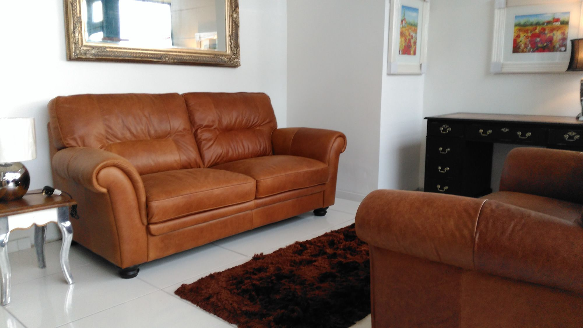 The Simona suite is beautiful tanned Italian leather