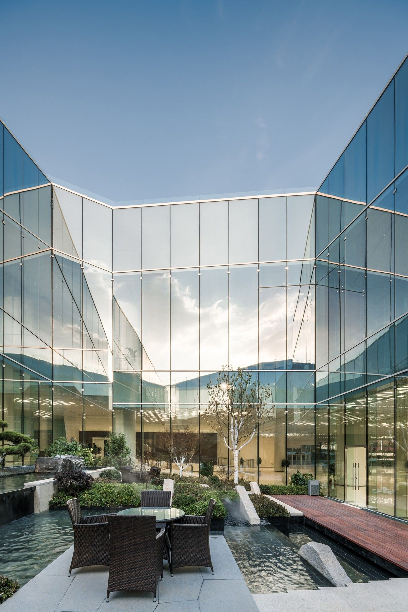 Haier Global Creative Research Centre - Dc Alliance + Sn