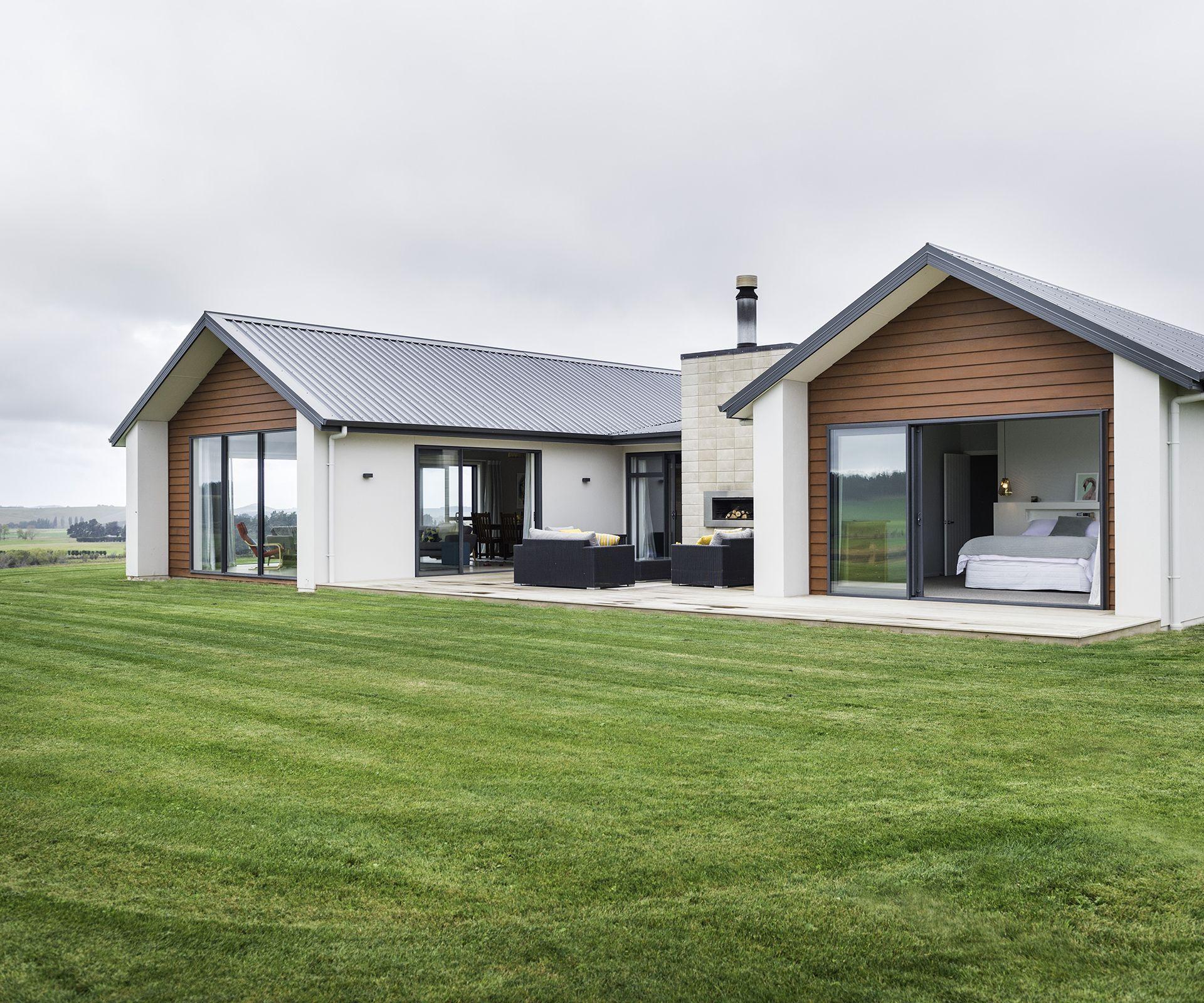 Small Modern Home Exteriors: Cattle Farmers Build Their Dream Home In Rural North Otago