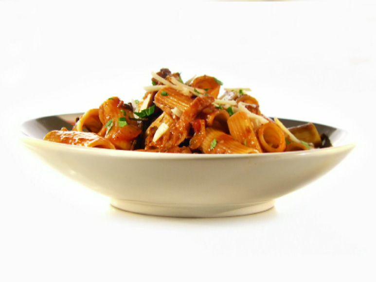 Pulled Chicken Ragu And Rigatoni Recipe Pasta Pinterest