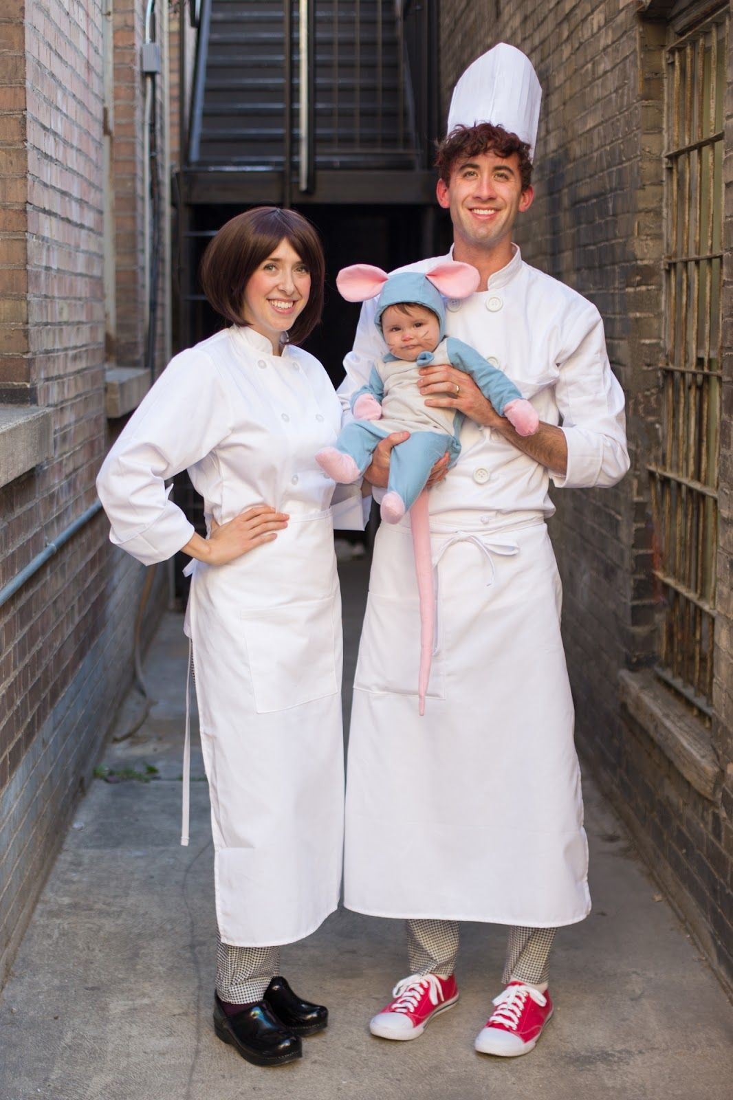 Halloween Costume Ratatouille Cute Family Remy Linguini Colette 7 Jpg 1066 1 Disney Family Costumes Family Halloween Costumes Family Themed Halloween Costumes