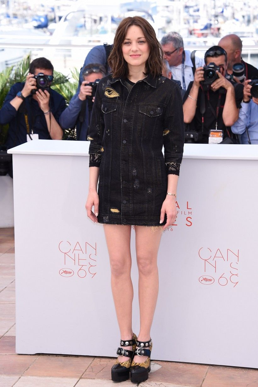 Marion cotillard in filles à papa cannes film festival red