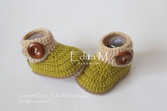Hey, I found this really awesome Etsy listing at https://www.etsy.com/listing/510542543/unisex-baby-booties-crochet-baby-booties