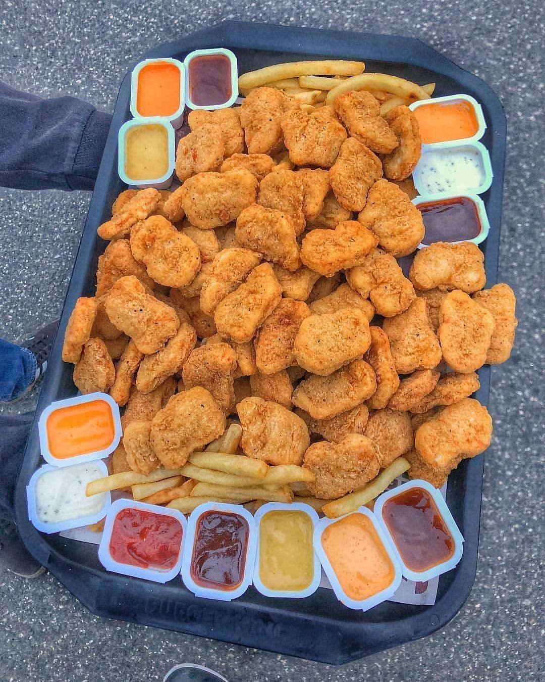 Brittany Kellar Auf Beenden Bei Burgerking Burgerkingindia Chicken Diese Freunde Grubzon Helfen Ihnen Junk Food Snacks Sleepover Food Food Cravings