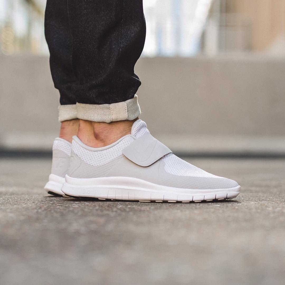 Nike Free Socfly: Pure Platinum