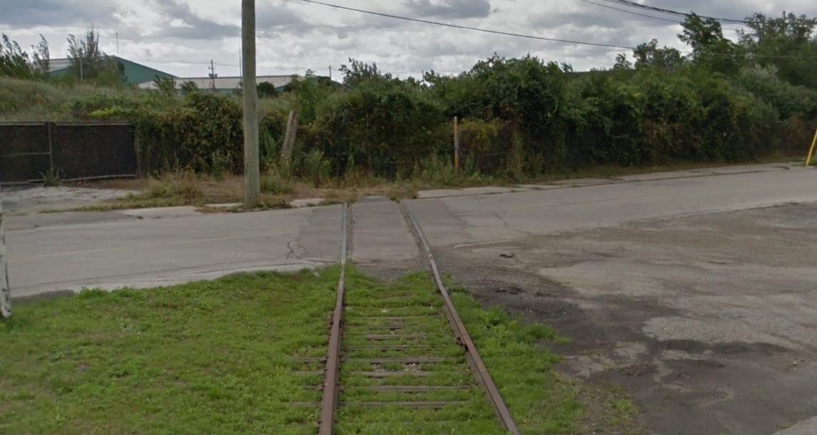 Old train track Toronto Canada [Streetview screenshot] [1147x611]