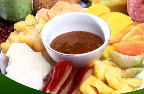 Indonesian Sweet Spicy Fruit Salad (Rujak Buah)