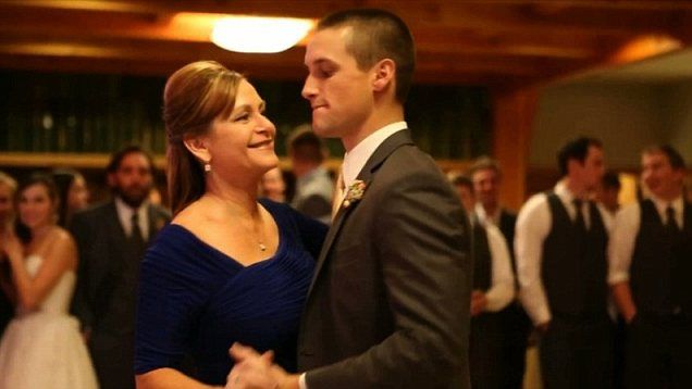 This Elegant Mother Son Weddingdance Was Not What The Guests Expected Funnyvideo