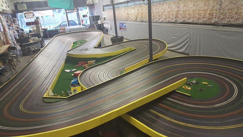 Hot Springs Raceway Bumble Bee Slot Racing Slot Car Tracks Slot Cars
