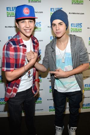 who is austin mahone dating 2012