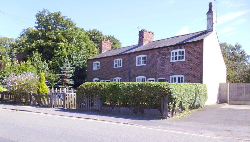 warrington cheshire cottages at latchford england. Black Bedroom Furniture Sets. Home Design Ideas