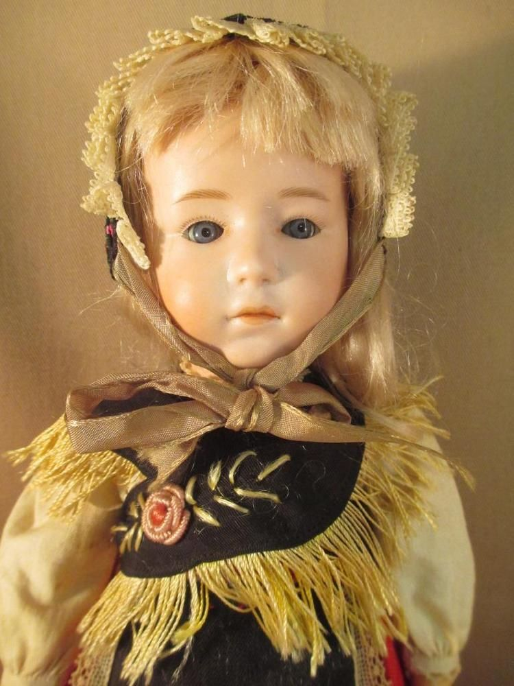 Antique German Bisque Doll LIMBACH Clover Leaf #8679 Closed Mouth All Original