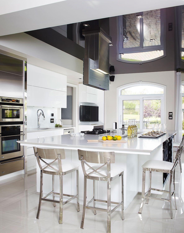Voici une cuisine moderne aussi majestueuse que surprenante! Sise ...