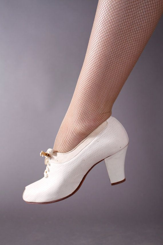 1930s Vintage Shoes - Ivory Perforated Oxford Pumps - 5 N. Think these were  nurse s shoes ae0bcccd4ee8