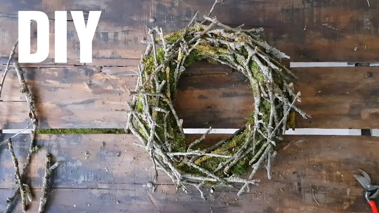 DIY Mooskranz mit Zweigen: Schritt für Schritt erklärt