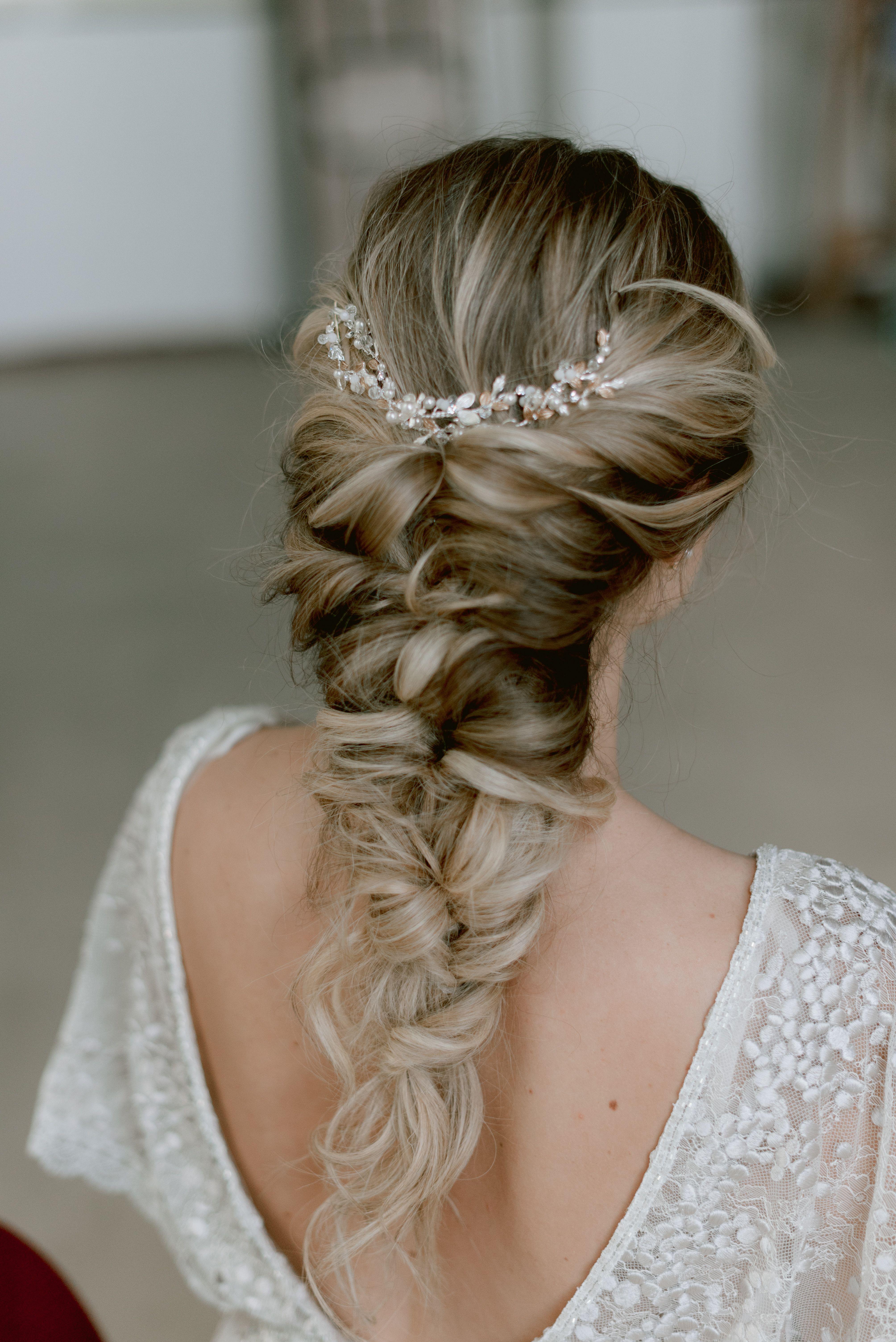 Bridal Hairstyle in 12  Brautfrisur, Frisur trauzeugin, Frisur