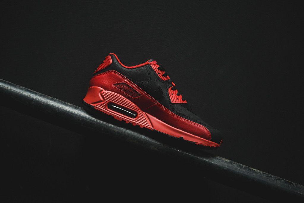 nike air max 90 premium black red