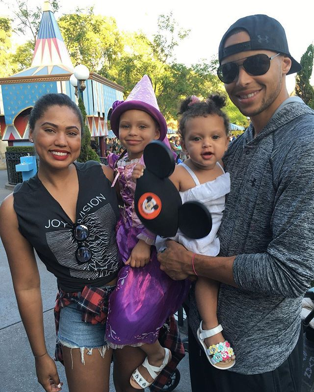 6872ba2c2ae8 Pin for Later  11 Famous Families to Be For Halloween The Currys