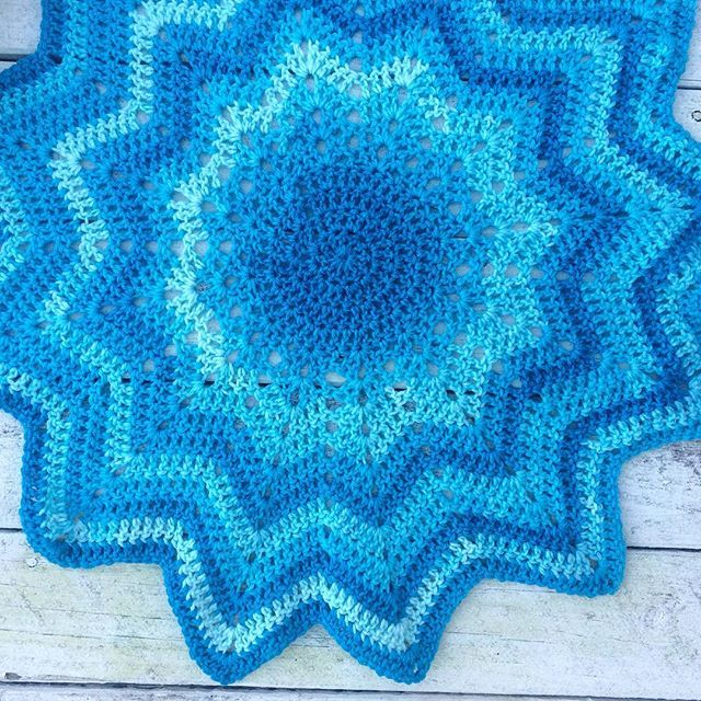 Crochet The Sky: A Variation on the Temperature Scarf | Manta ...