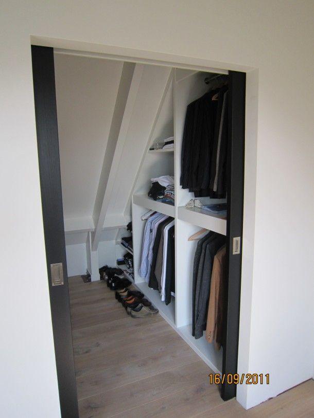 Interieuridee n walk in closet voor op zolder door for Doors for walk in closet