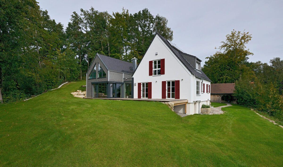 Umbau Einfamilienhaus Mit Modernem Haus Anbau Mit Satteldach Holz