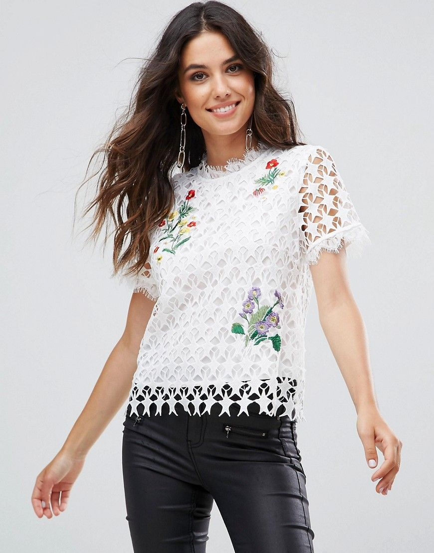 4a137d18de125 Liquorish Star Lace White Floral Embroidered Top - White