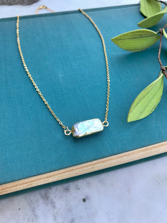 Handmade Iridescent Freshwater Pearl PendantFree Chain