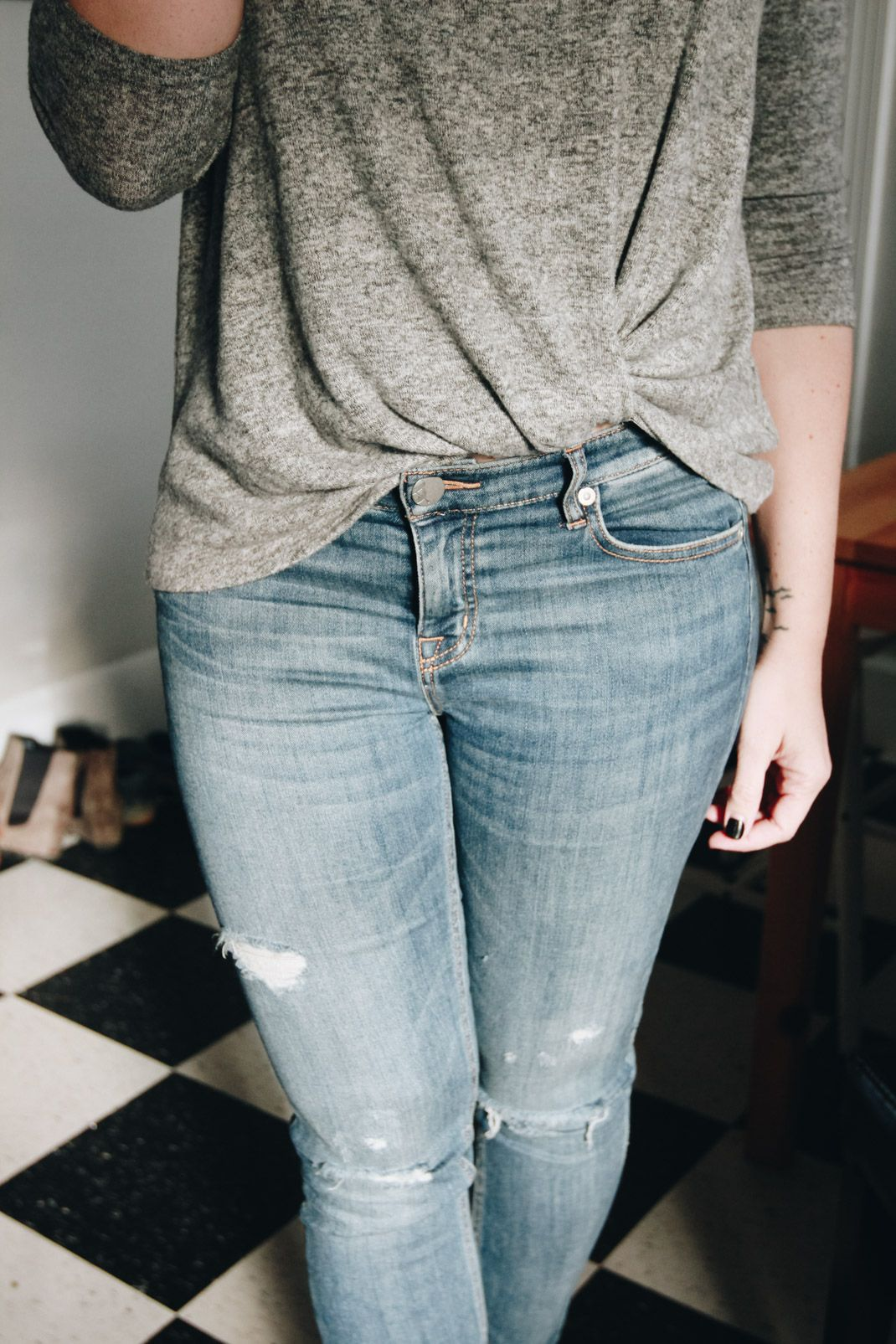 30++ Leg tuck and twist trends