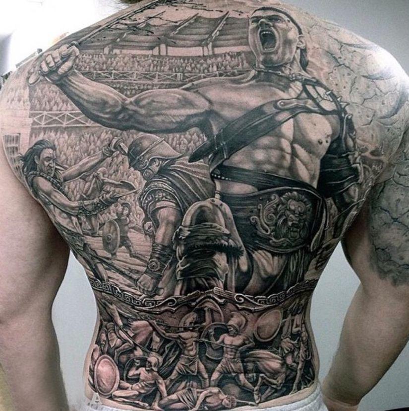 ಒ Tatuaje Pe Braț și Piept: Design Tatuaje