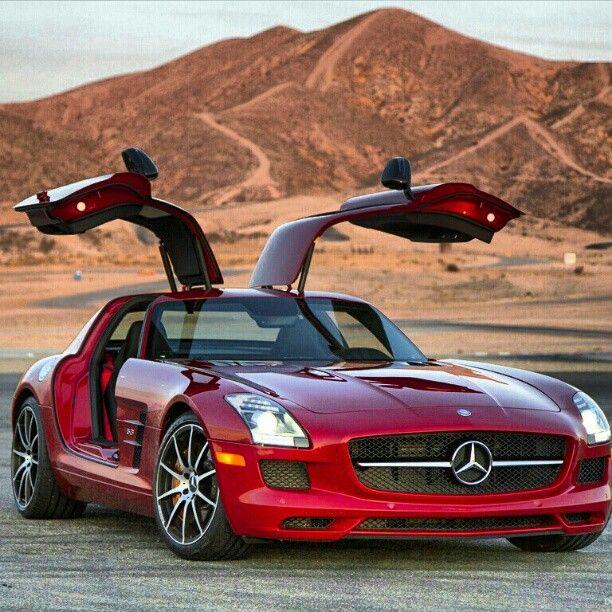 Desert Scenery- Stunning Car - Mercedes SLS AMG