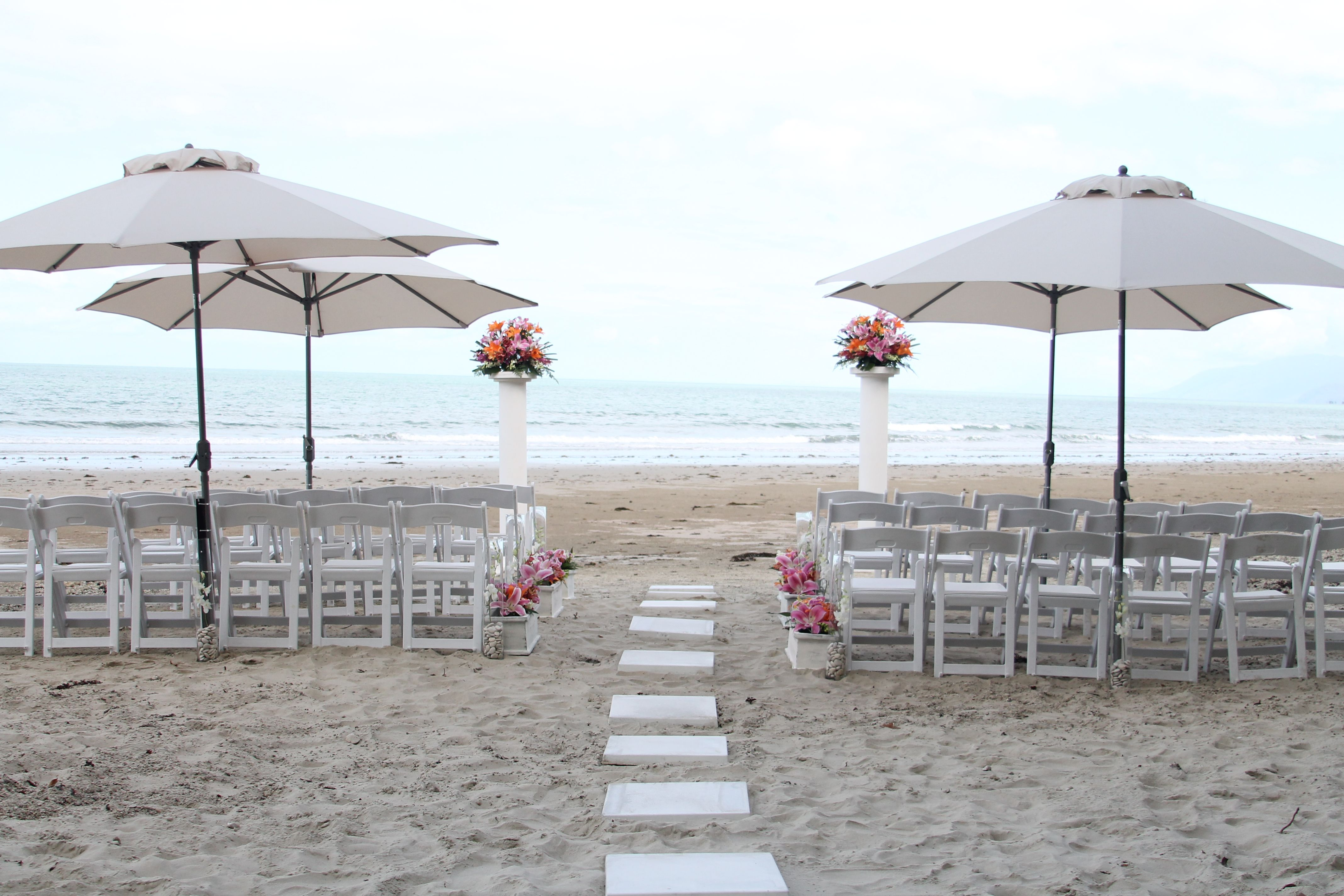 A Beautiful Wedding Set Up On Four Mile Beach At Sheraton Mirage Port Douglas Resort