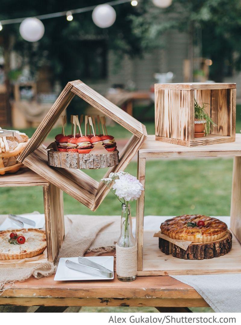 Deko Buffet Aus Holzkisten Für Party Für Russische Hochzeiten