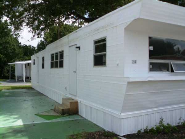 Manufactured And Mobile Home Communities For Active Seniors Trailer Home Mobile Home Vintage Travel Trailers