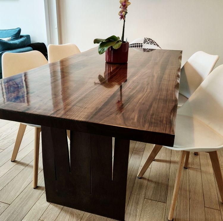 Table De Noyer Massif Fabriquee Au Quebec Www Verbois Com Dining Table Rustic Dining Rustic Dining Table
