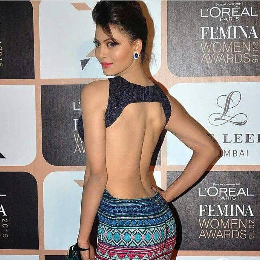 Hollywood actress boobs show