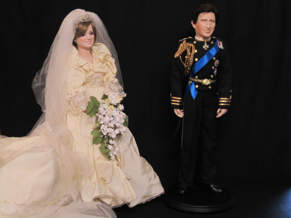 Danbury Mint Princess Diana and Prince Charles Dolls and Book | eBay ...