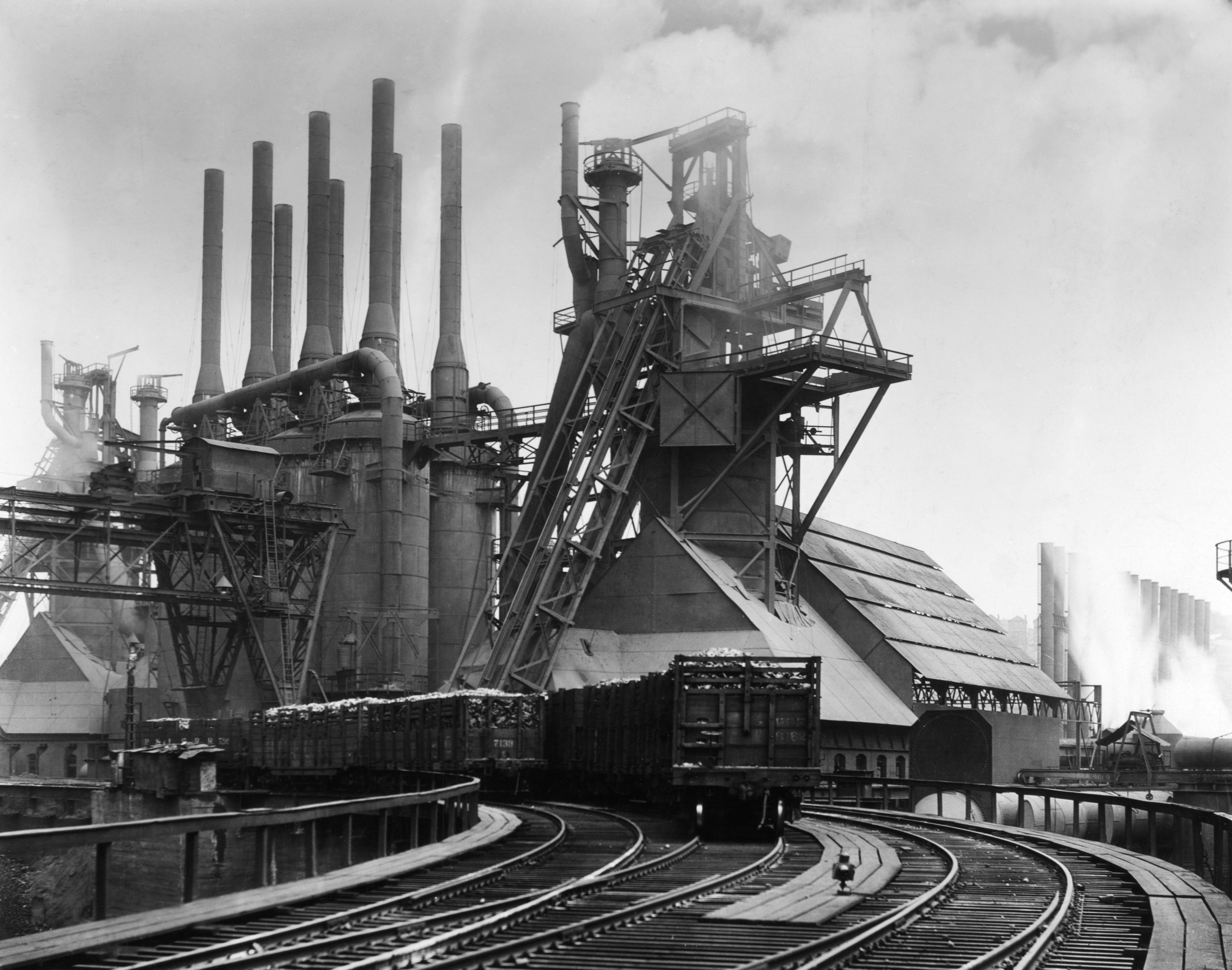 Blast furnaces of the Carnegie Steel Corporation in ...