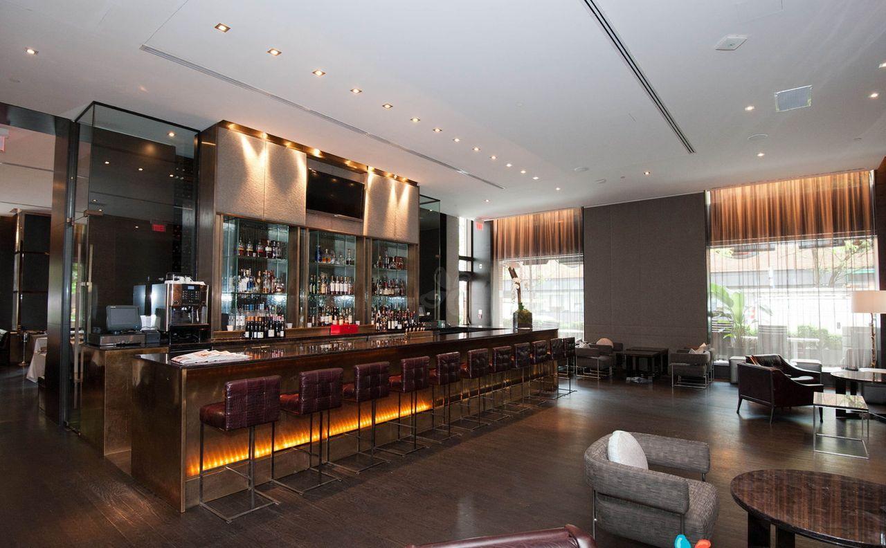 One, no lobby do Hotel Hazelton em Toronto