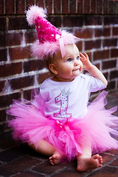 super cute baby girl first birthday outfit!