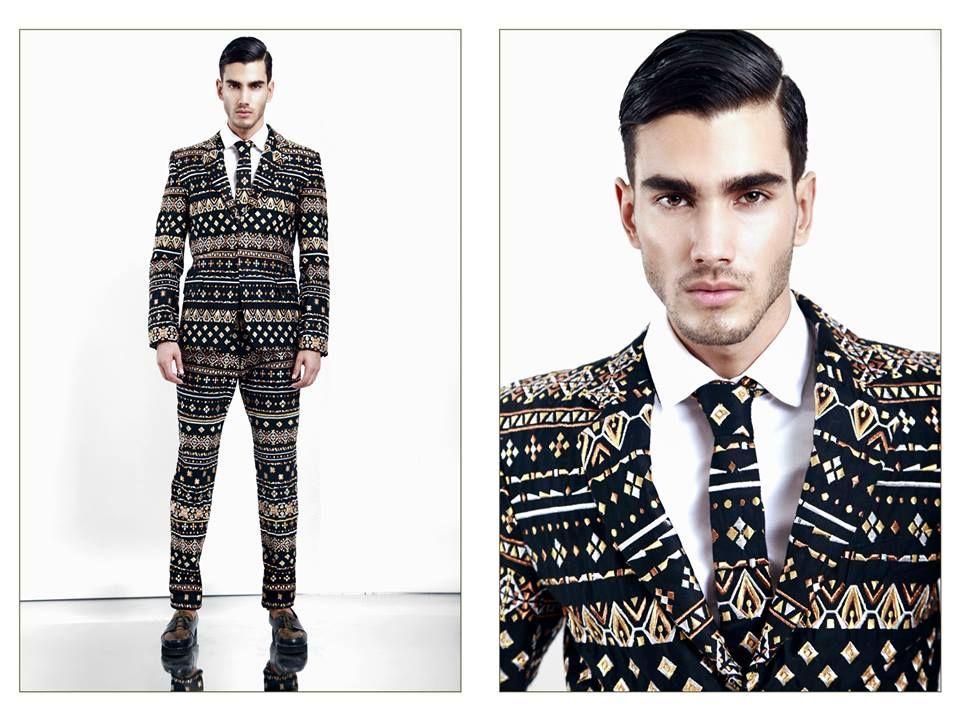 Solo para valientes. Este traje de Olmos y Flores definitivamente te hará destacar entre los aburridos trajes negros. #OnlyMan