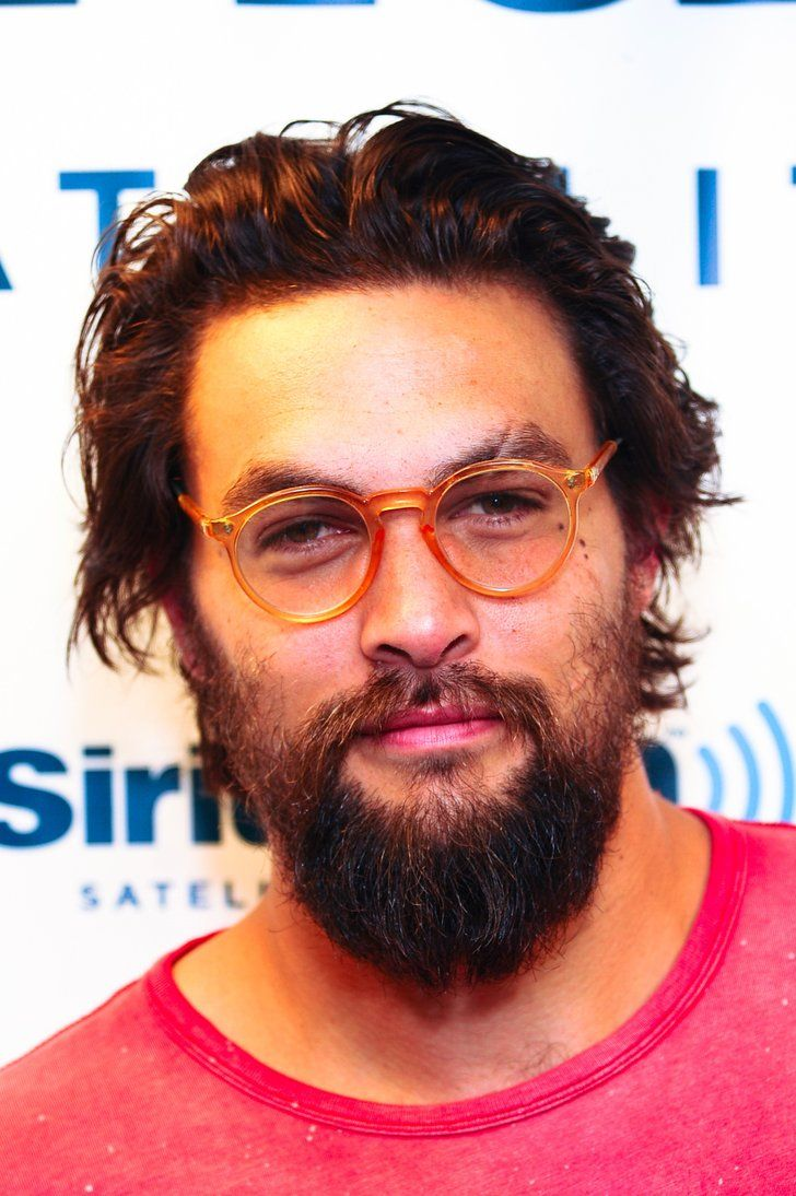 Just 10 Times Jason Momoa Looked Really Good In Glasses Short Hair Styles Jason Momoa Shirtless Celebrity Short Hair