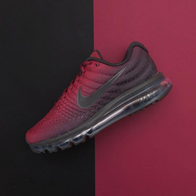 online store cc5cf 77692 Nike Air Max 2017 - AT0044-001 •• En röd svart gradientfärgad AM2017,  alltid lika bra och alltid lika uppskattad.  nike  airmax2017  footish ••  Link in bio ...