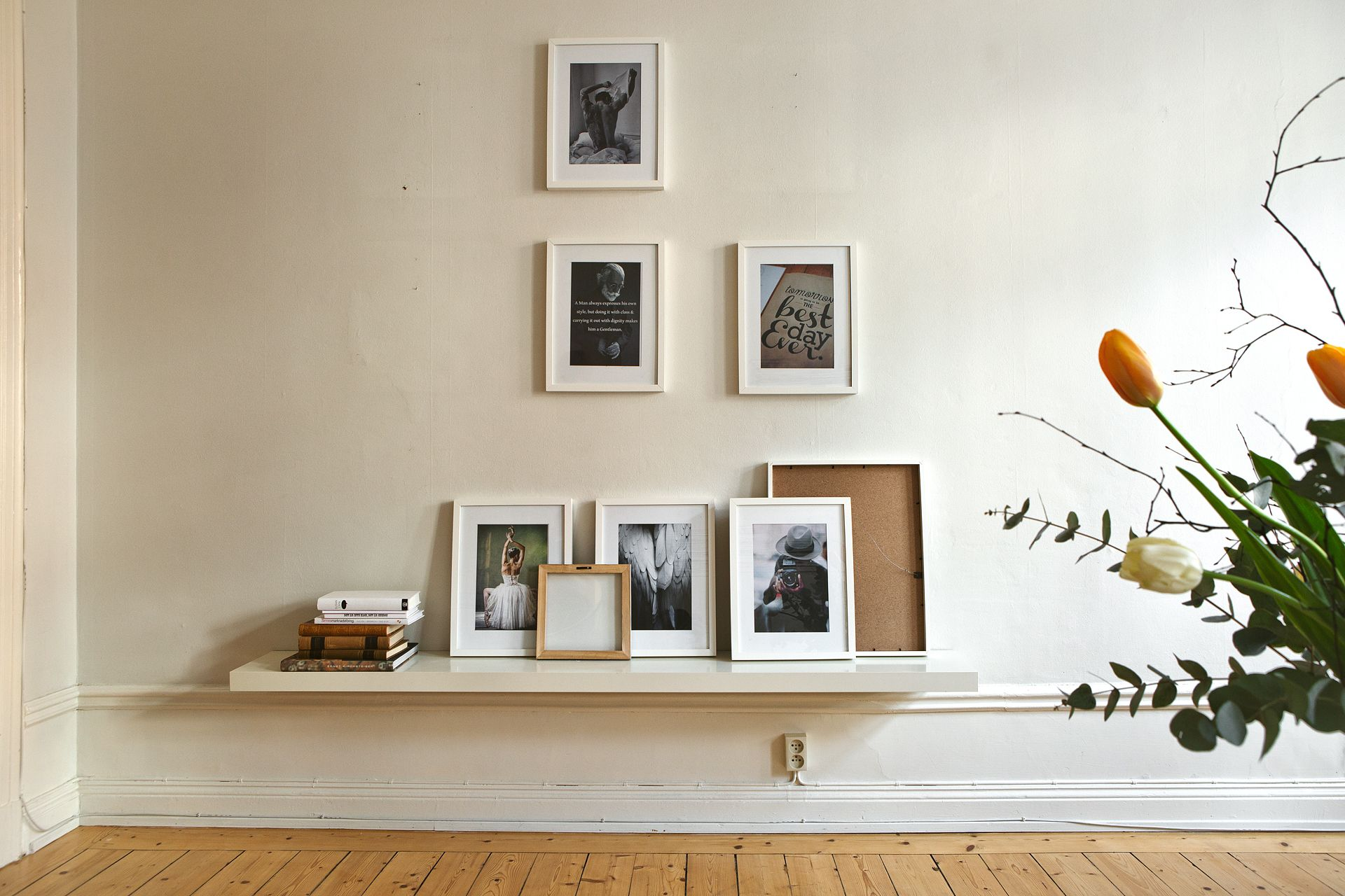 Alternative picture wall idea - Hege in France